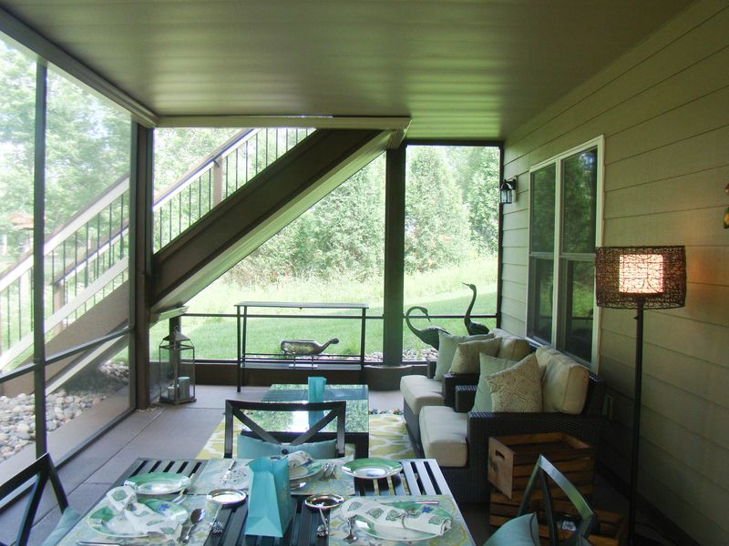 Screened in porch 3